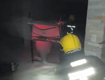 Bombeiros combatem incêndio em residência do Villa Silvéria