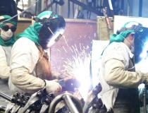 Confiança dos empresários da indústria cai pelo terceiro mês
