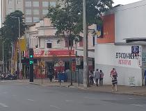 Depois de um mês fechado, comércio volta a funcionar em Araxá