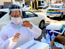Idosos de 62 anos são vacinados nesta quarta contra a Covid-19 em Araxá