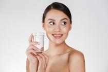 Hidrate-se! Dermatologista explica os impactos do baixo consumo de água para a pele