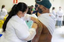 Araxá faz repescagem de vacina contra a Covid-19 para população adulta nesta quarta